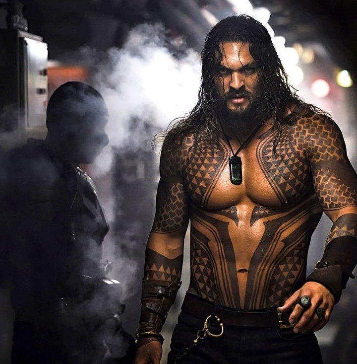 Aquaman: Jason Momoa in una scena del comic-movie