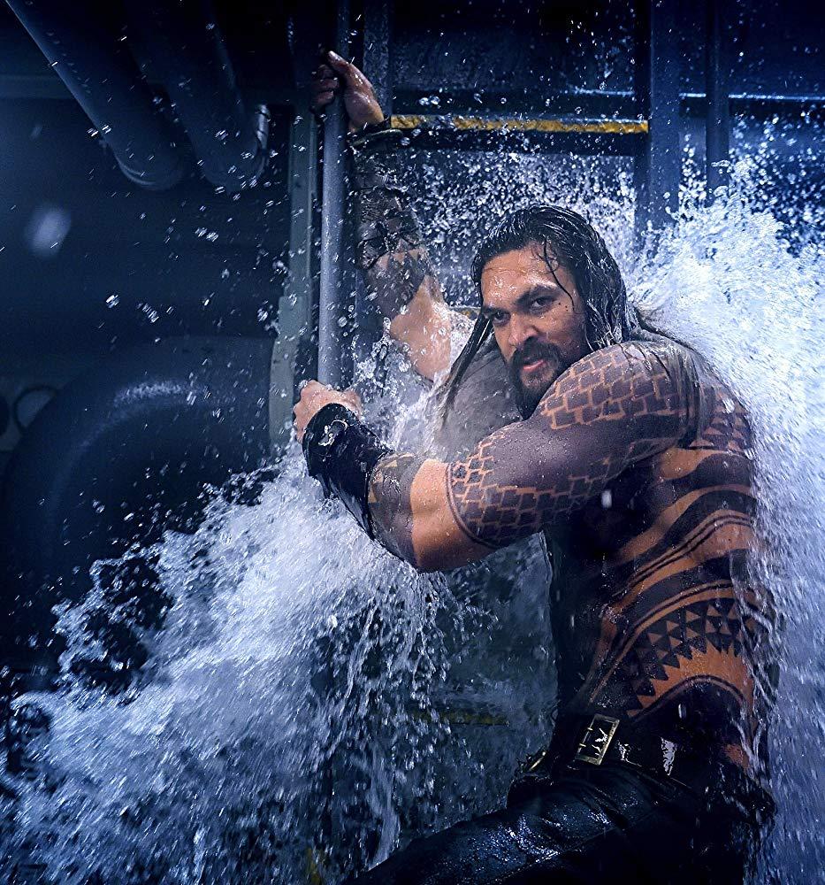 Aquaman: il protagonista Jason Momoa in una nuova foto