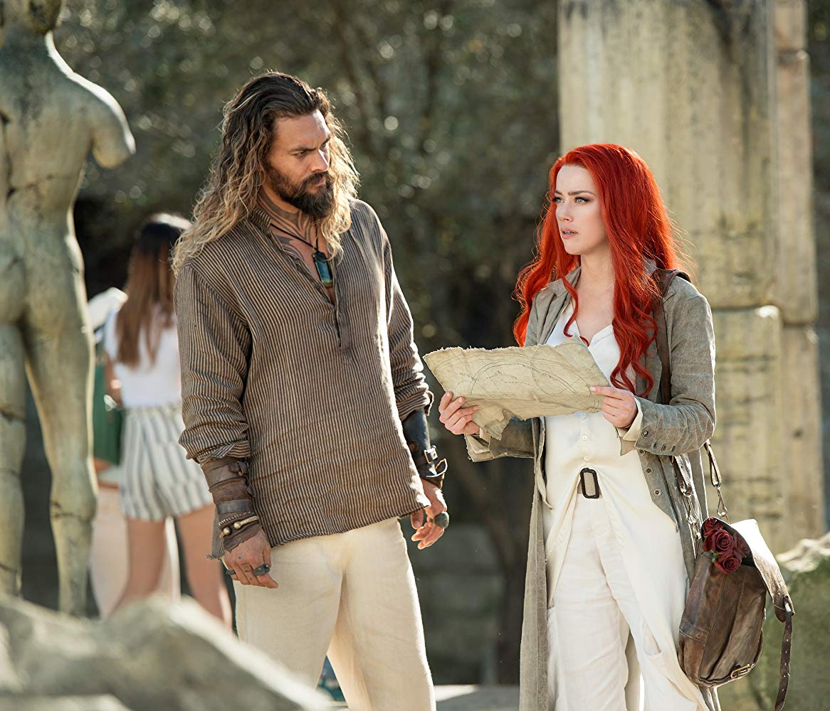 Aquaman: Amber Heard E Jason Momoa In Una Foto Del Film