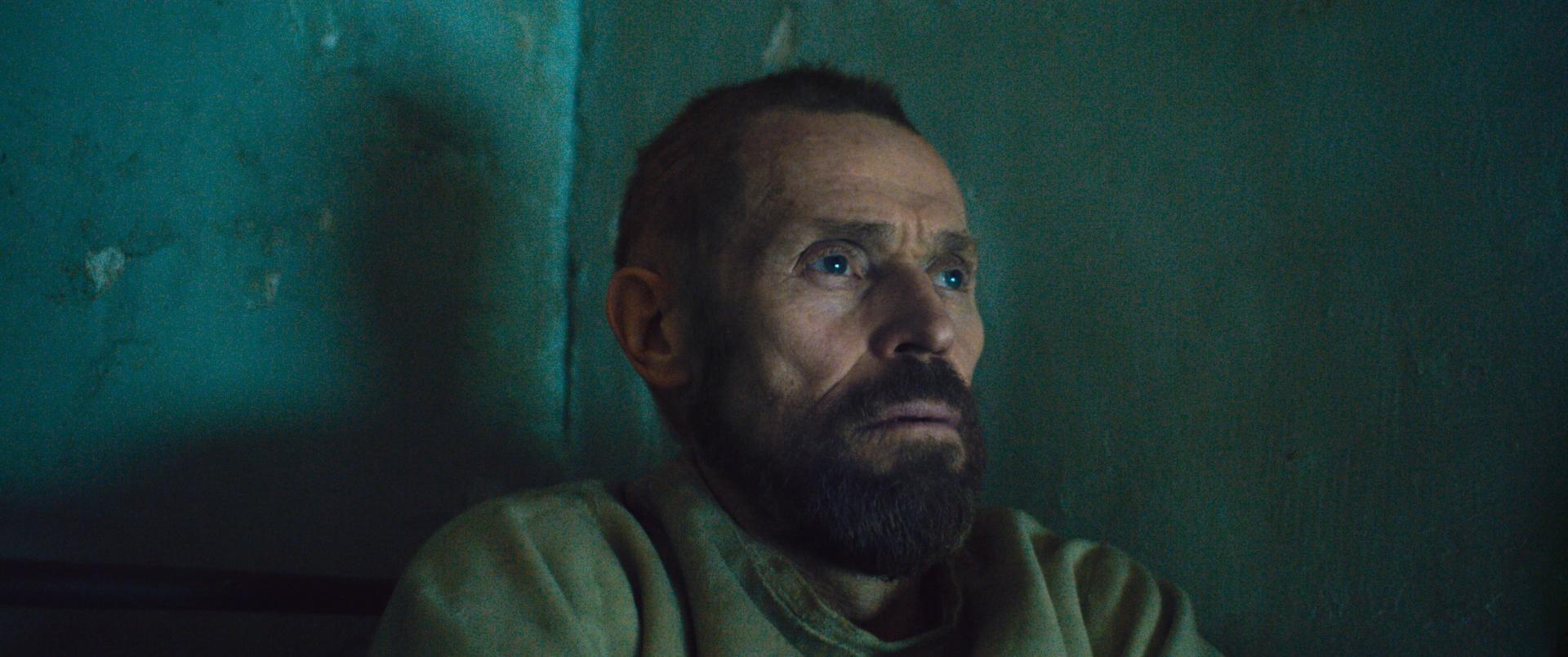 Van Gogh - Sulla soglia dell'eternità: Willem Dafoe in una scena drammatica
