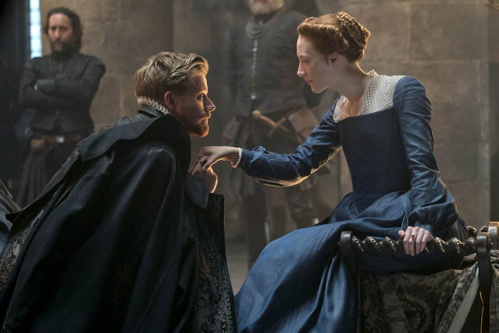 Maria Regina di Scozia: Saoirse Ronan in una scena