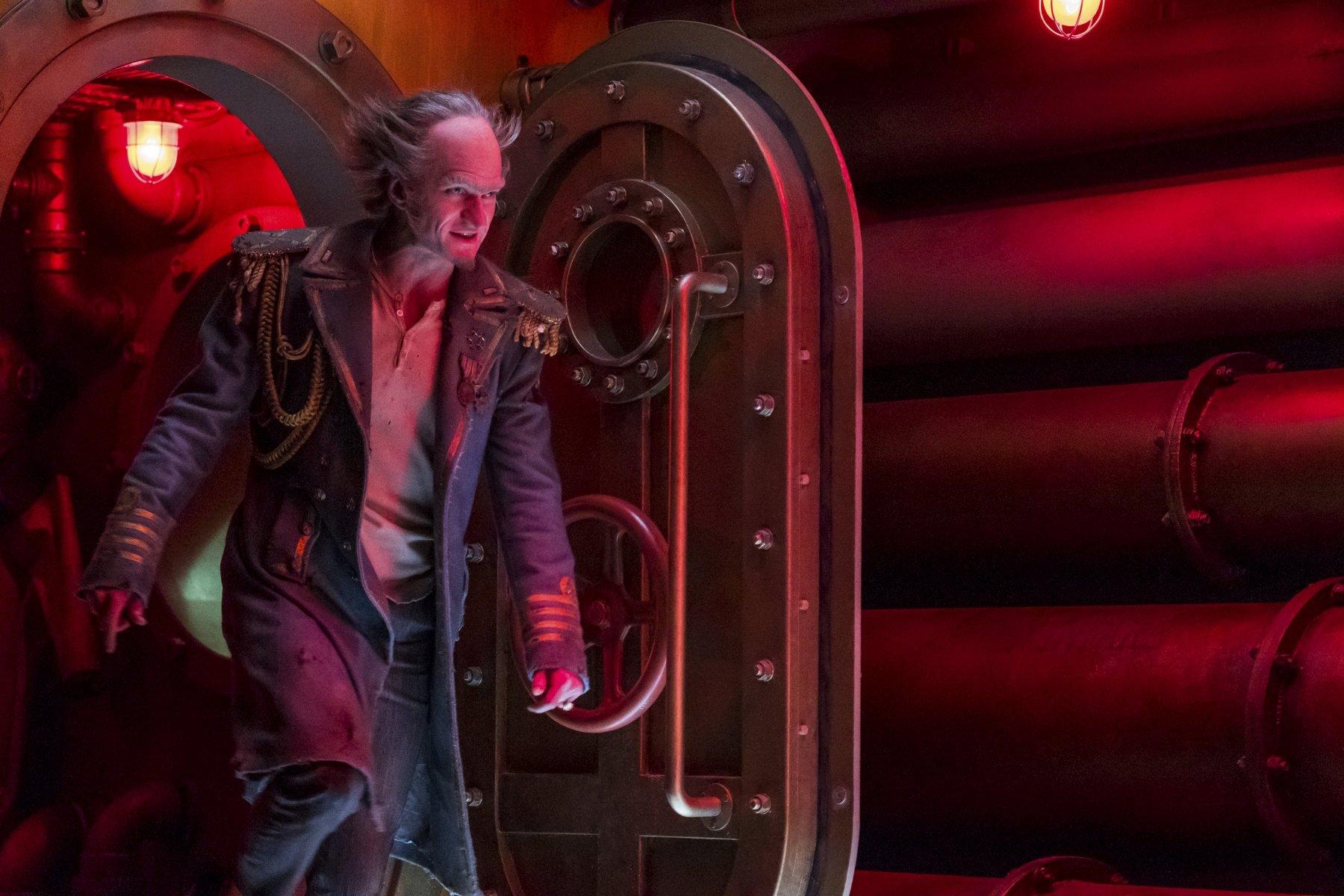 Una serie di sfortunati eventi: Neil Patrick Harris in una scena della terza stagione