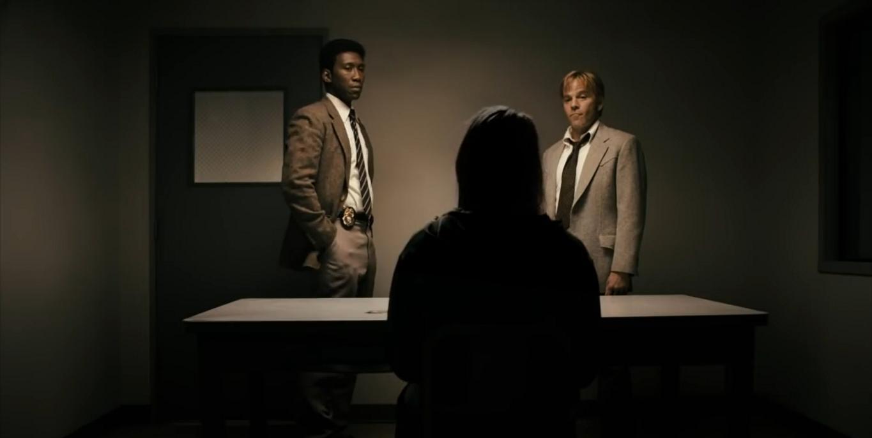 True Detective: Mahershala Ali e Stephen Dorff in una scena della terza stagione