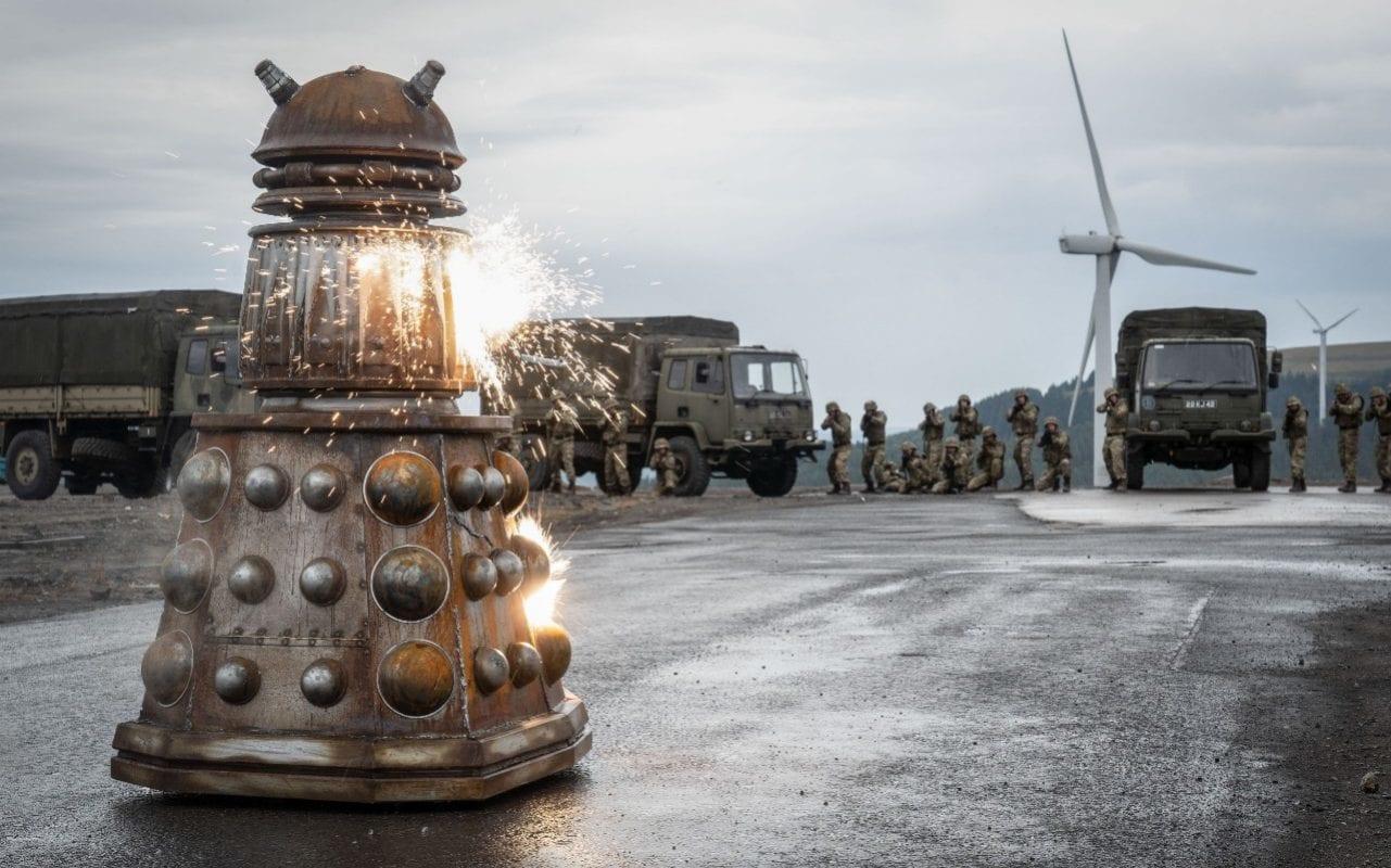 Doctor Who: un minaccioso Dalek nell'episodio Resolution