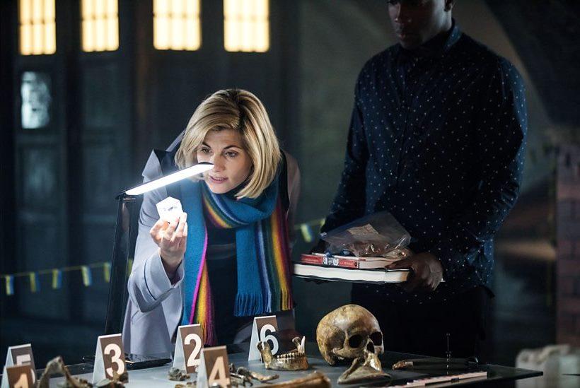 Doctor Who: Jodie Whittaker durante  una scena dell'episodio Resolution