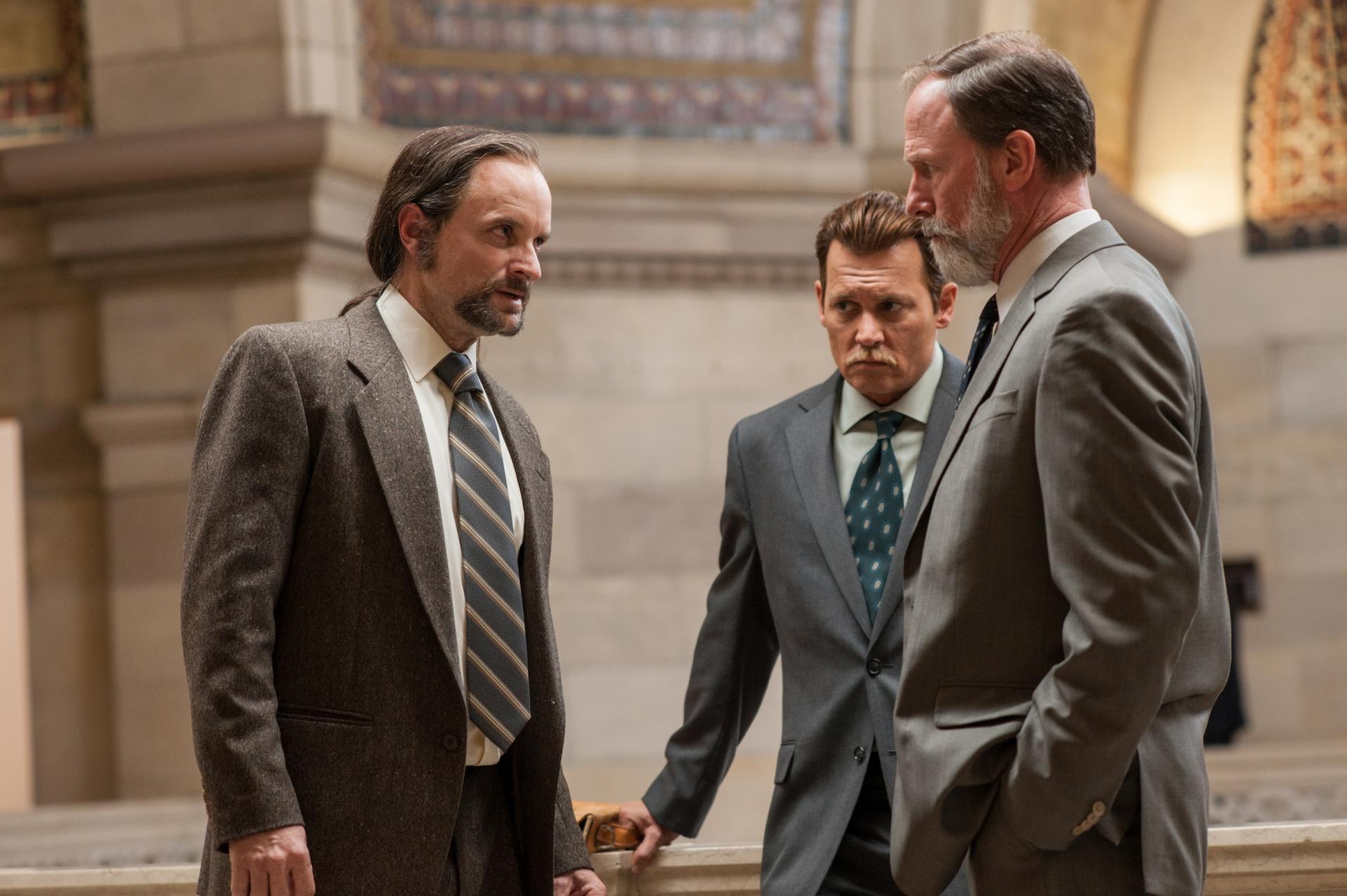City of Lies - L'ora della verità: Johnny Depp in una sequenza del film