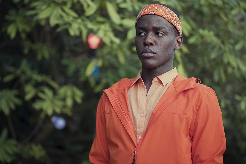 Sex Education: Ncuti Gatwa in una scena della serie