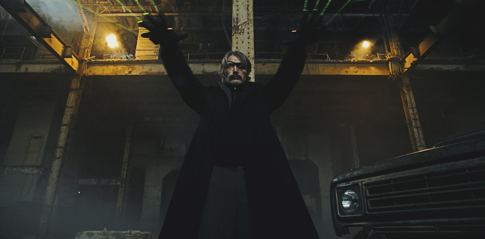 Polar: Mads Mikkelsen in una foto del film