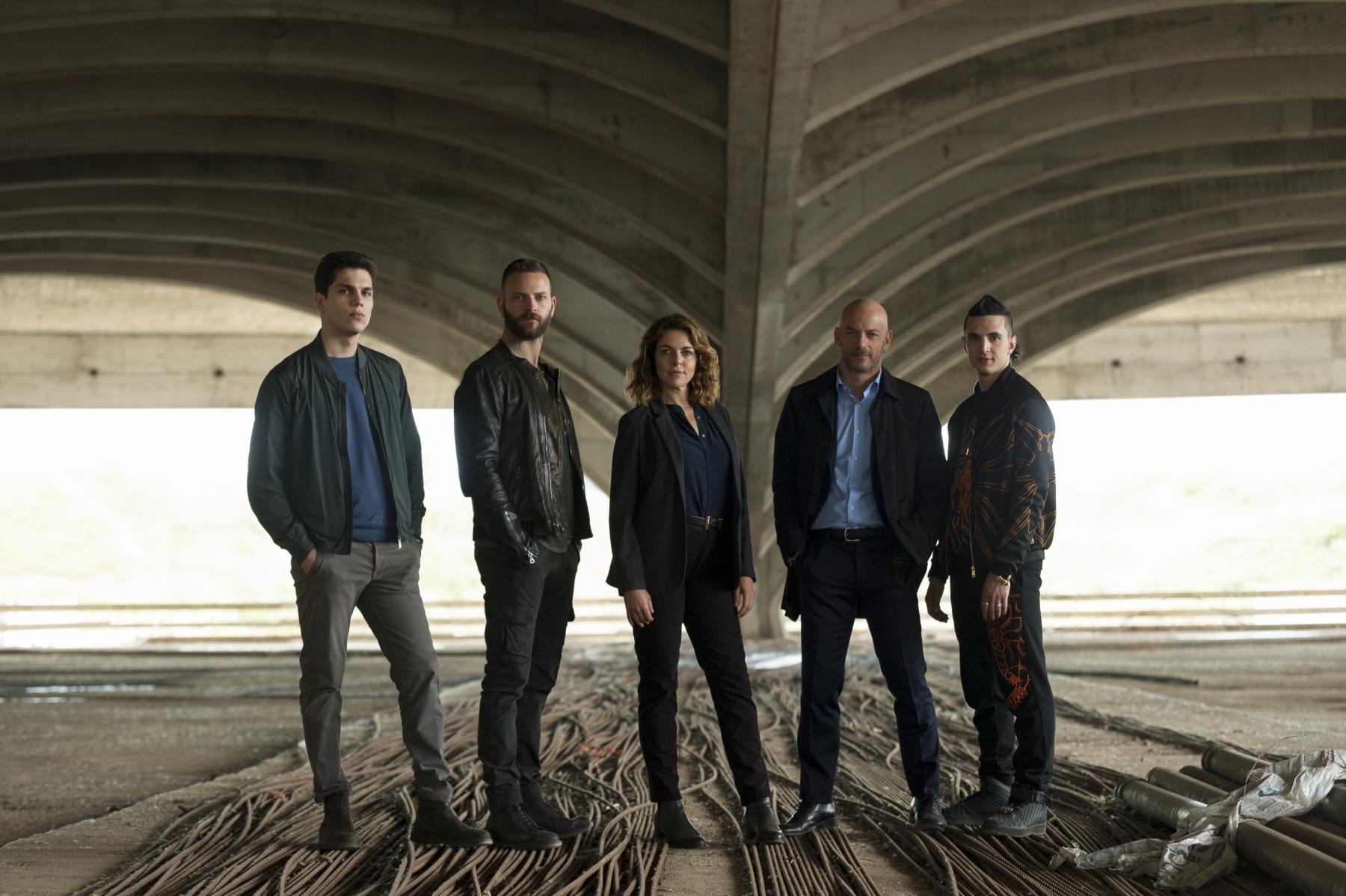 Suburra - La Serie: il cast in una foto promozionale