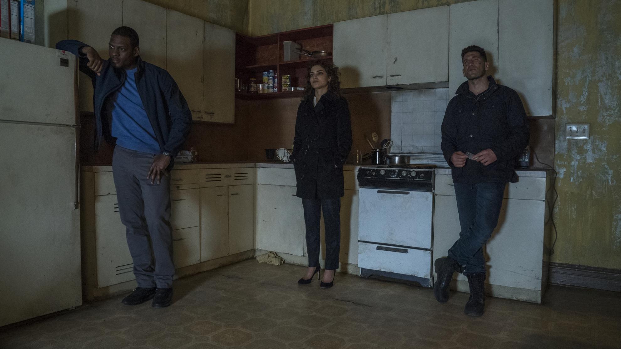 The Punisher: Jason R. Moore, Amber Rose Revah, Jon Bernthal in una scena