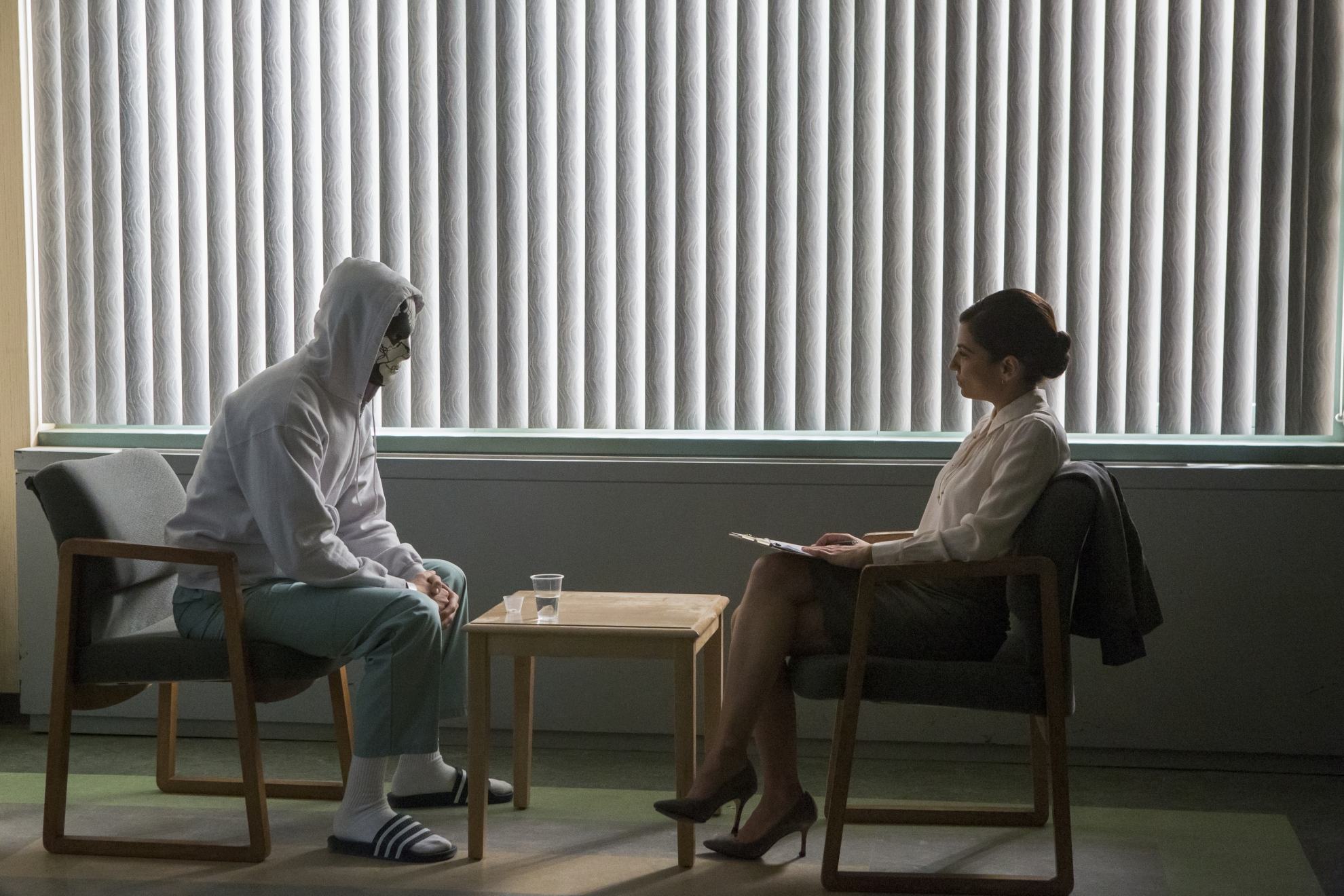 The Punisher: Floriana Lima e Ben Barnes in una scena