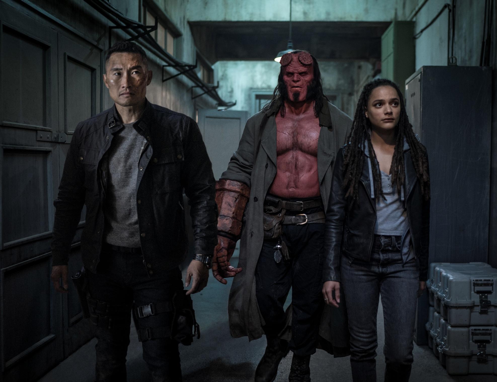 Hellboy: Daniel Dae Kim, David Harbour, Sasha Lane in una scena del film