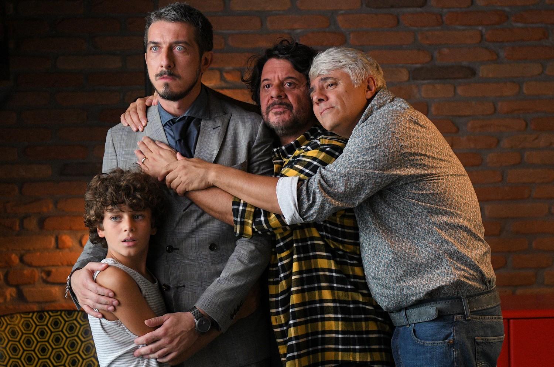 Modalità aereo: Paolo Ruffini e Dino Abbrescia in una foto