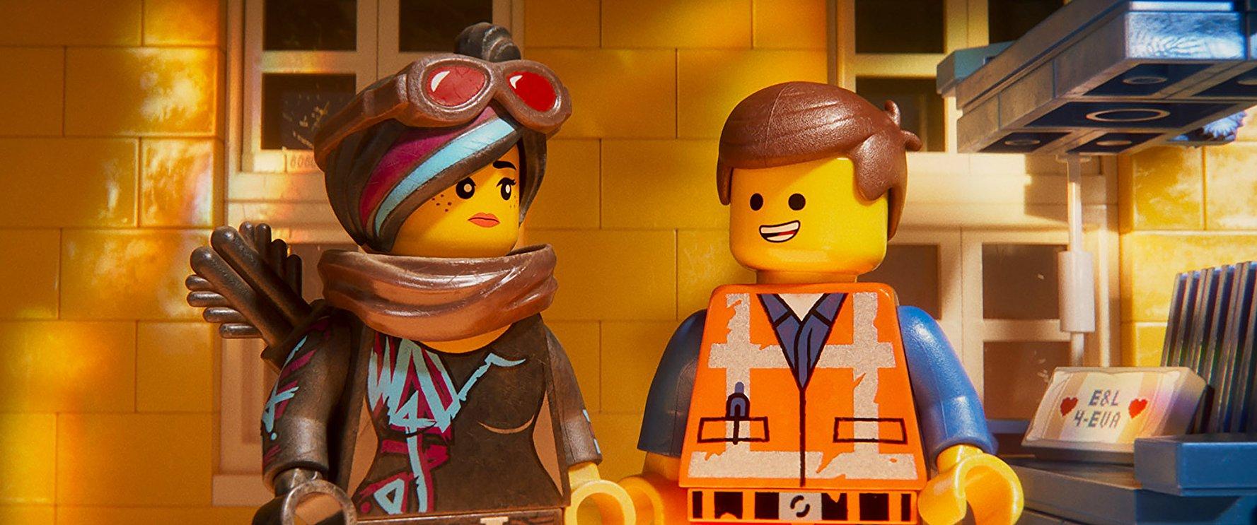 The Lego Movie 2: Una nuova avventura: Emmet con Wyldstyle in una scena