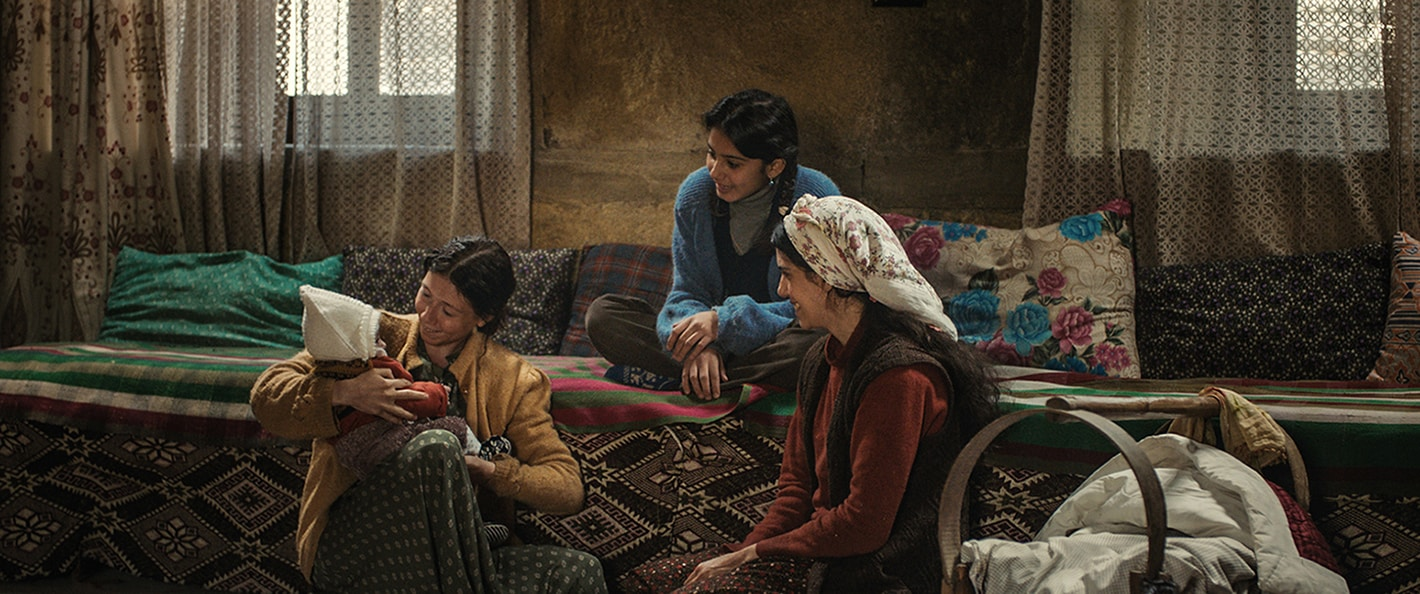 A Tale of Three Sisters: le tre sorelle riunite insieme