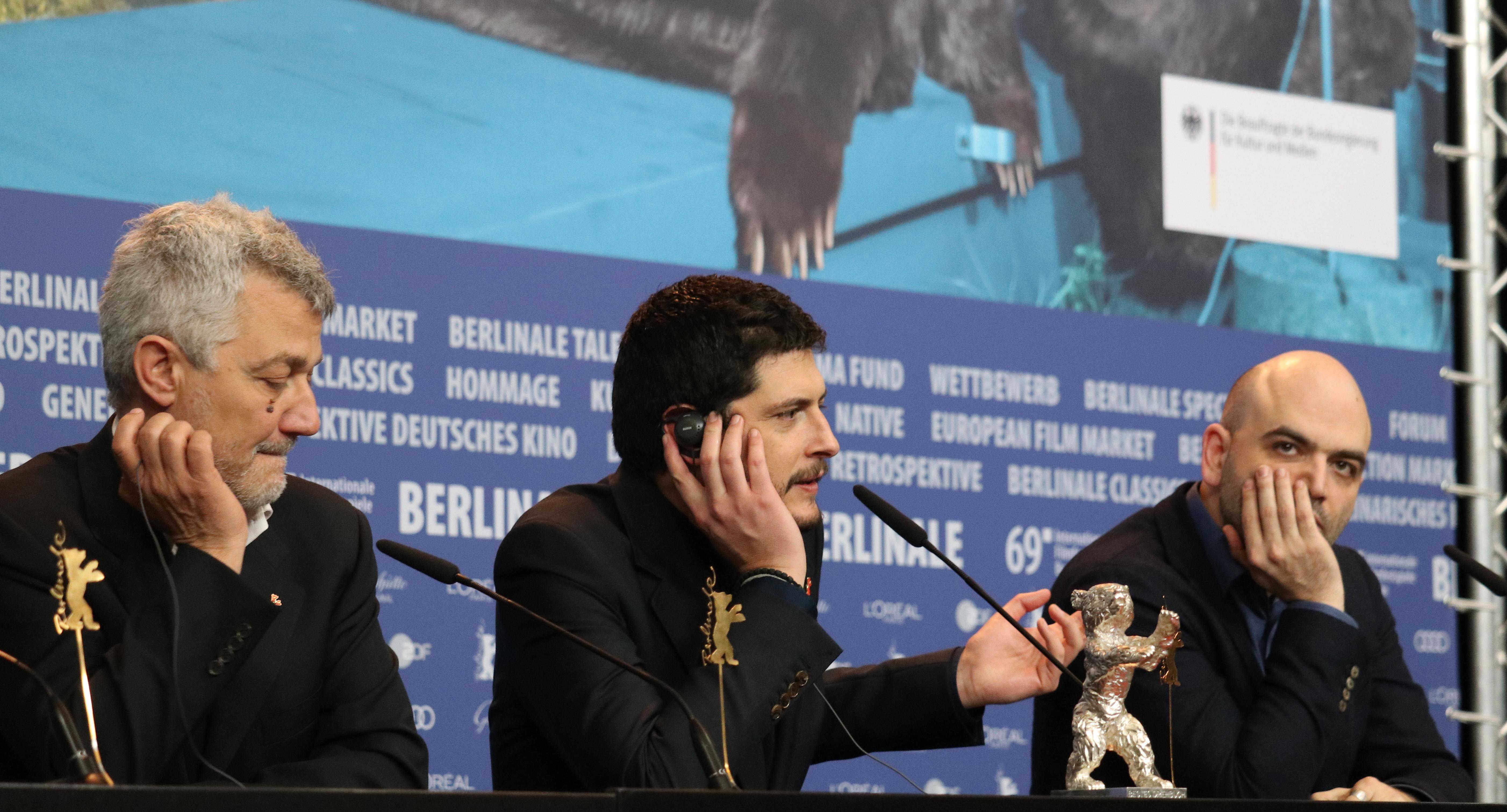 Berlino 2019: Roberto Saviano, Maurizio Braucci e Claudio Giovanessi alla conferenza di premiazione