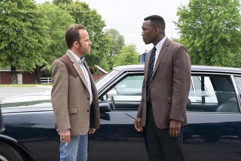 True Detective: Stephen Dorff e Mahershala Ali nell'episodio The Final Country