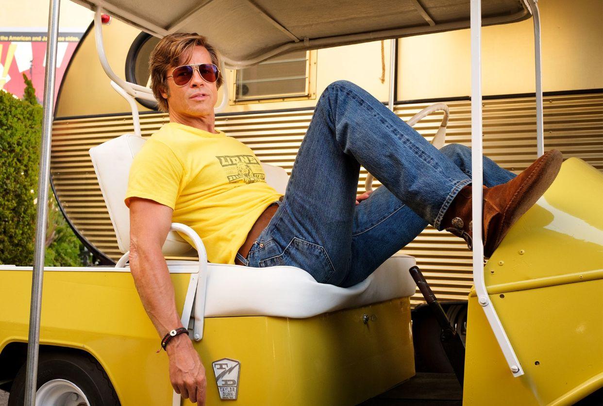 C'era una volta a Hollywood: Brad Pitt in una scena del film