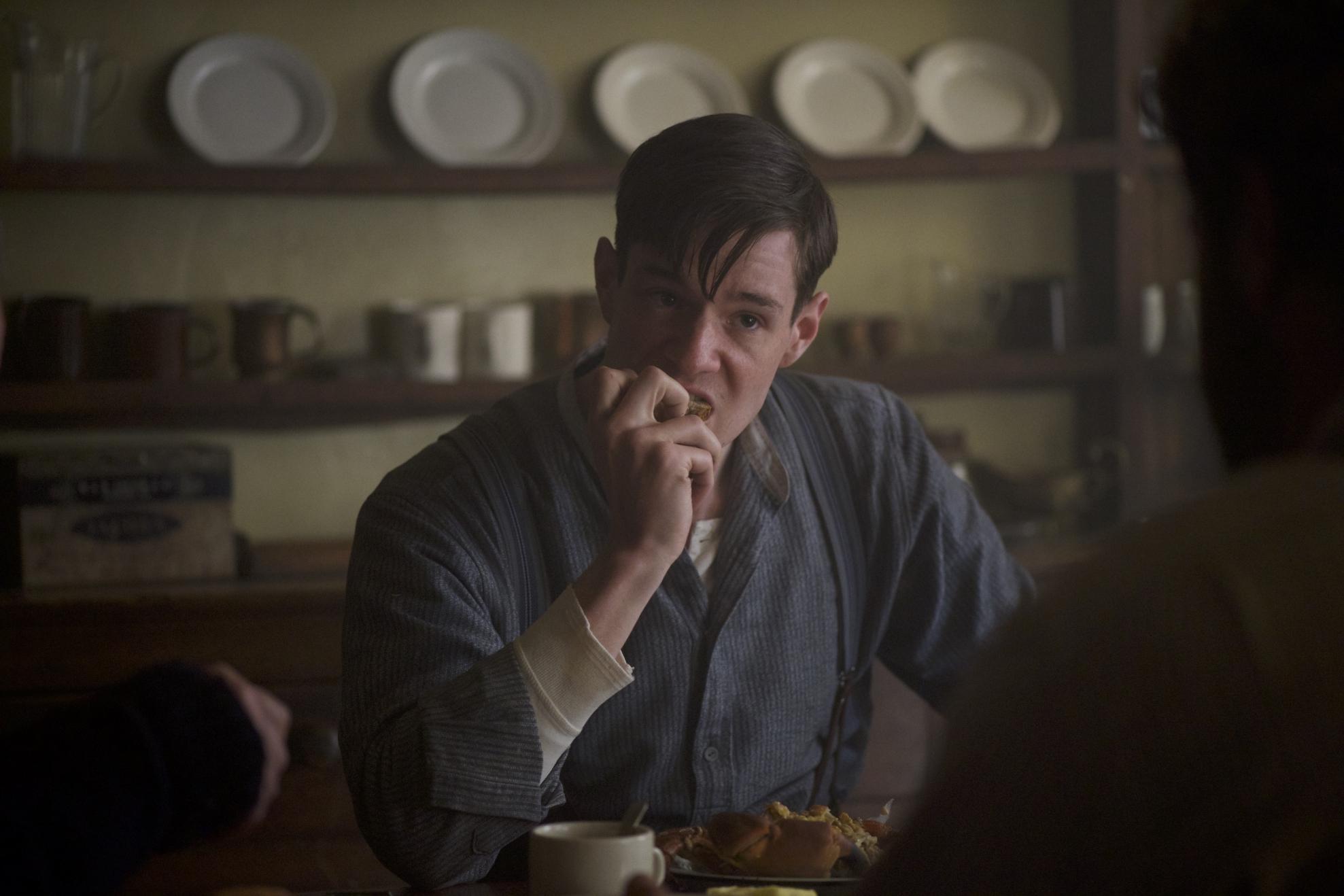 The Vanishing - Il mistero del faro: Connor Swindells in una scena del film