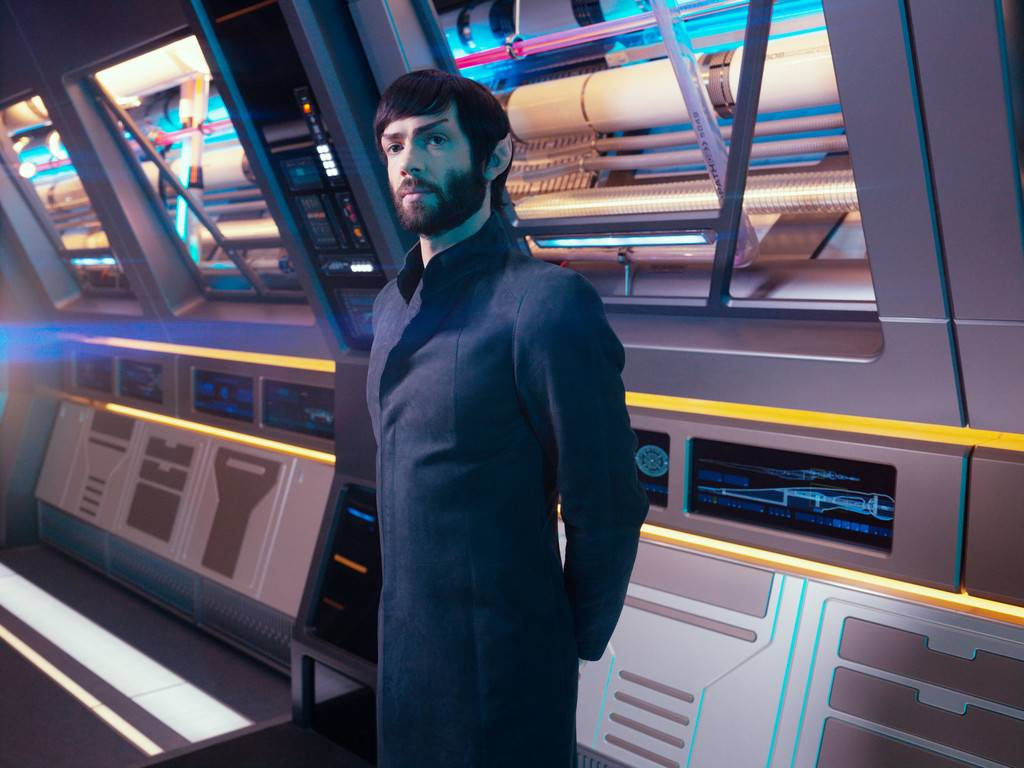 Star Trek Discovery: Ethan Peck in una scena nell'episodio Light and Shadows