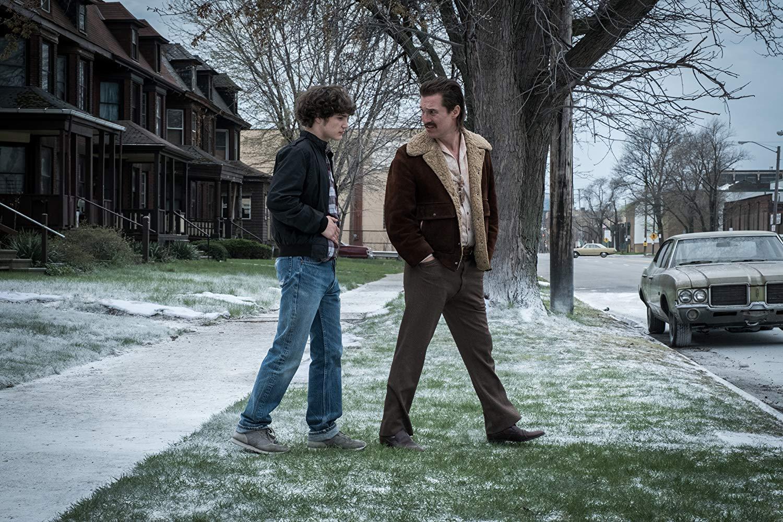 Cocaine - La Vera Storia Di White Boy Rick: Matthew McConaughey insieme a Richie Merritt durante una scena