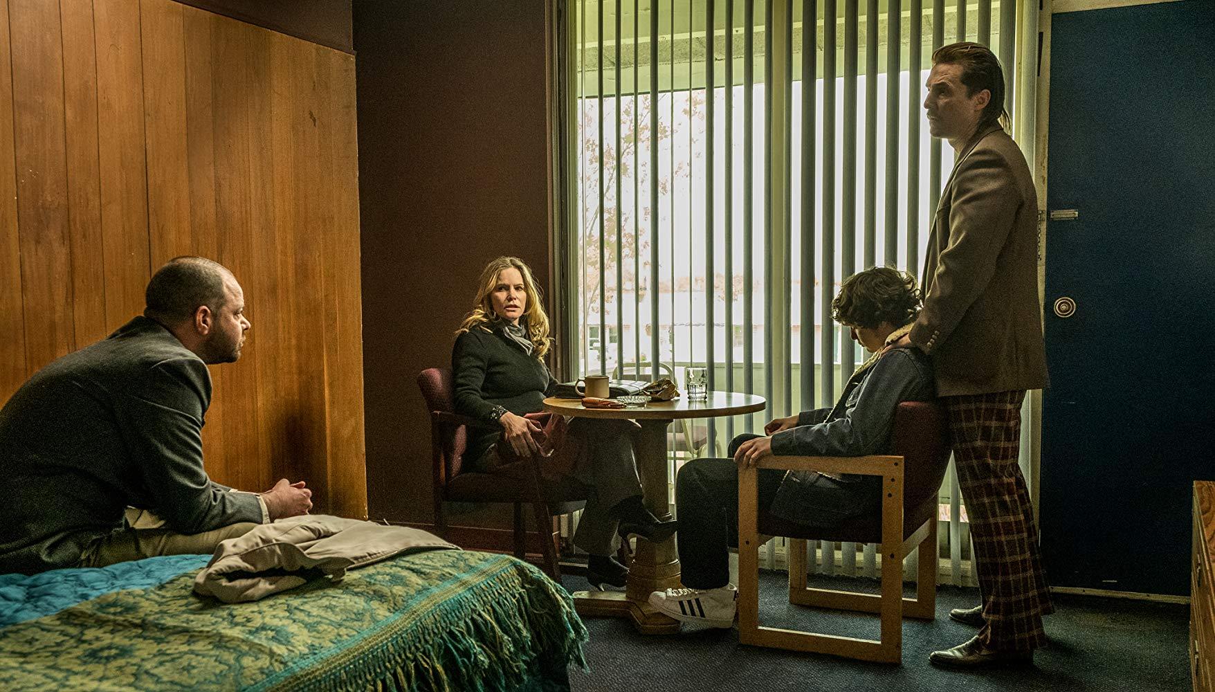 Cocaine - La Vera Storia Di White Boy Rick: una scena con Matthew McConaughey, Jennifer Jason Leigh, Rory Cochrane, Richie Merritt