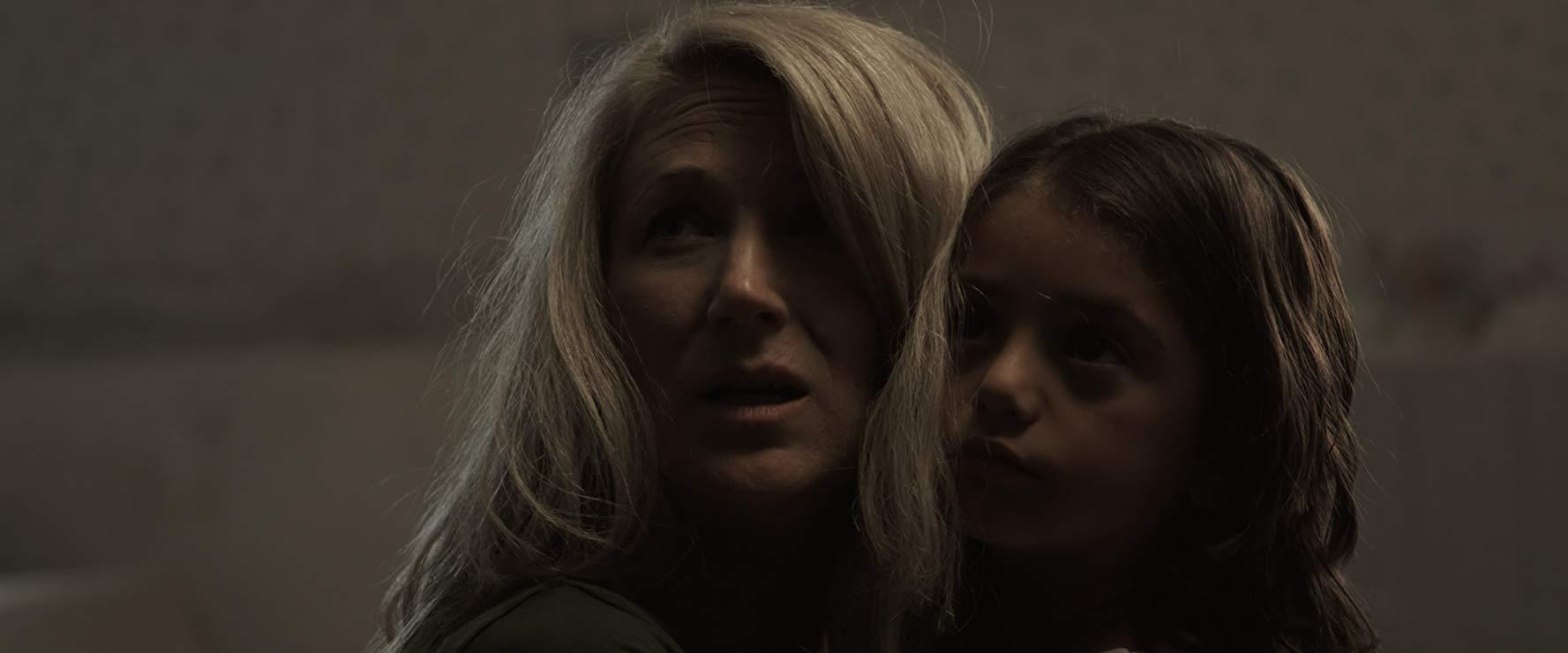 Il Carillon: Rachel Daigh e Cearl Pepper in una scena del film