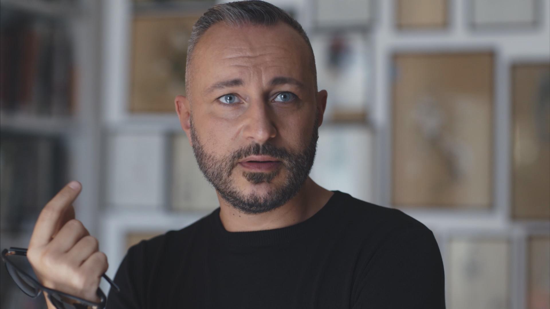 Diabolik: Massimo Cantini Parrini in una scena del documentario
