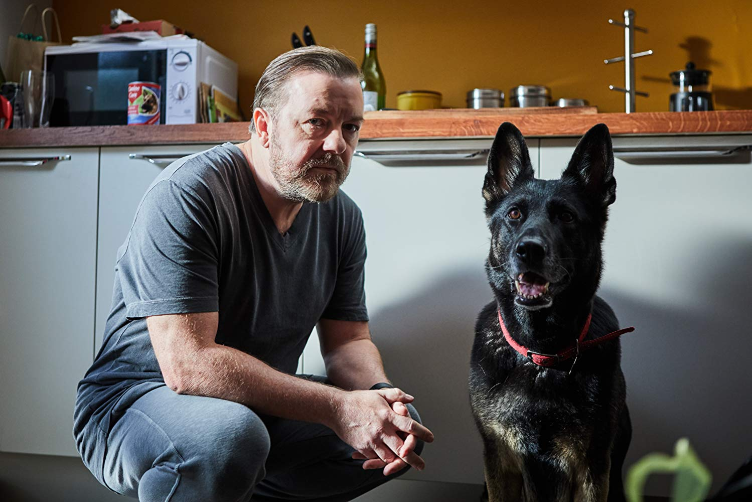 After Life: Ricky Gervais in una scena