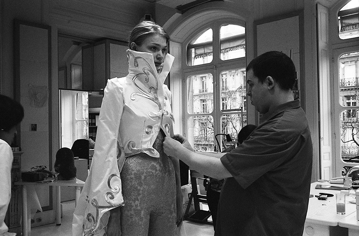 Alexander McQueen - Il genio della moda: Alexander McQueen in una scena del documentario