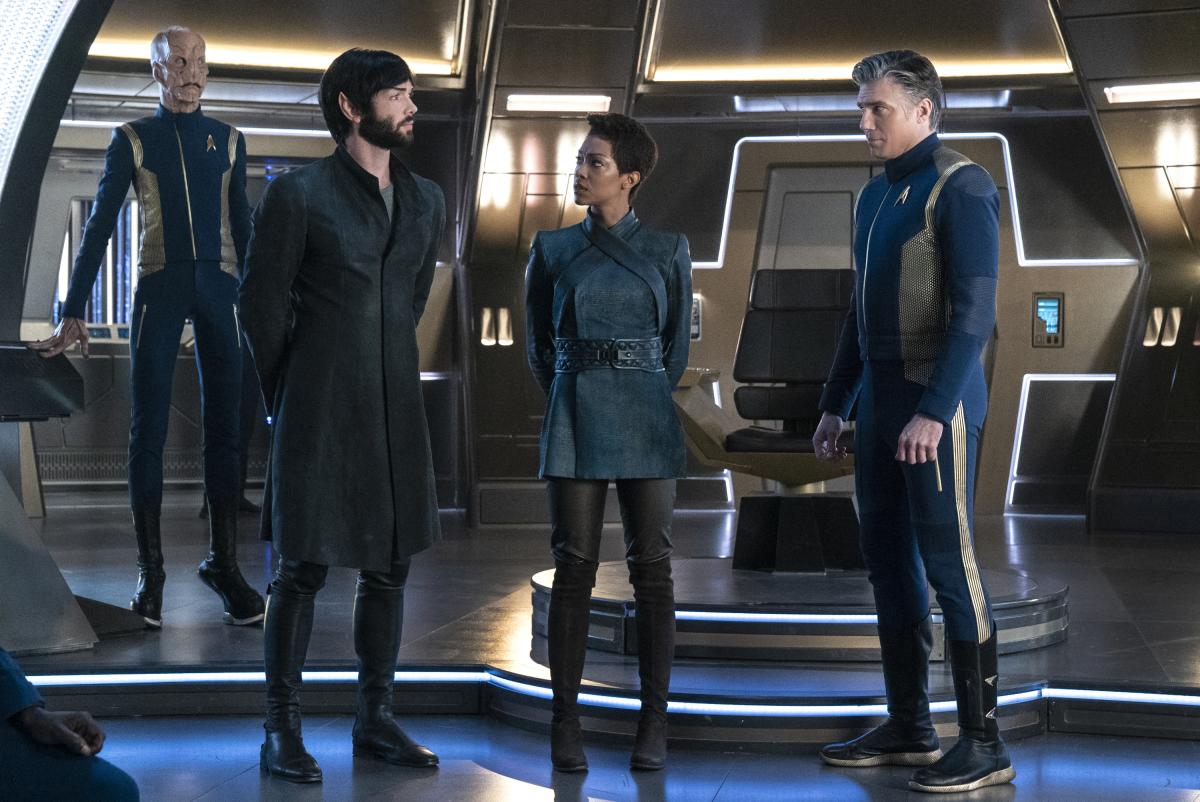 Star Trek: Discovery, Doug Jones, Anson Mount, Ethan Peck, and Sonequa Martin-Green in una scena dell'episodio If Memory Serves