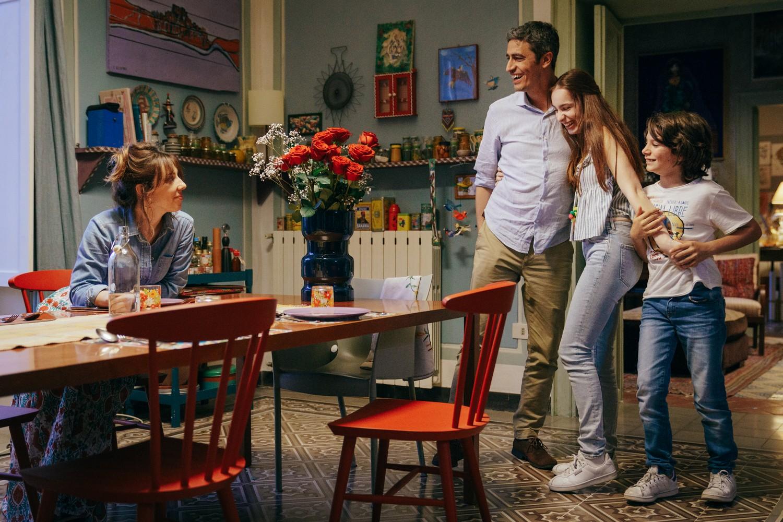Momenti di trascurabile felicità: una scena di gruppo nel film