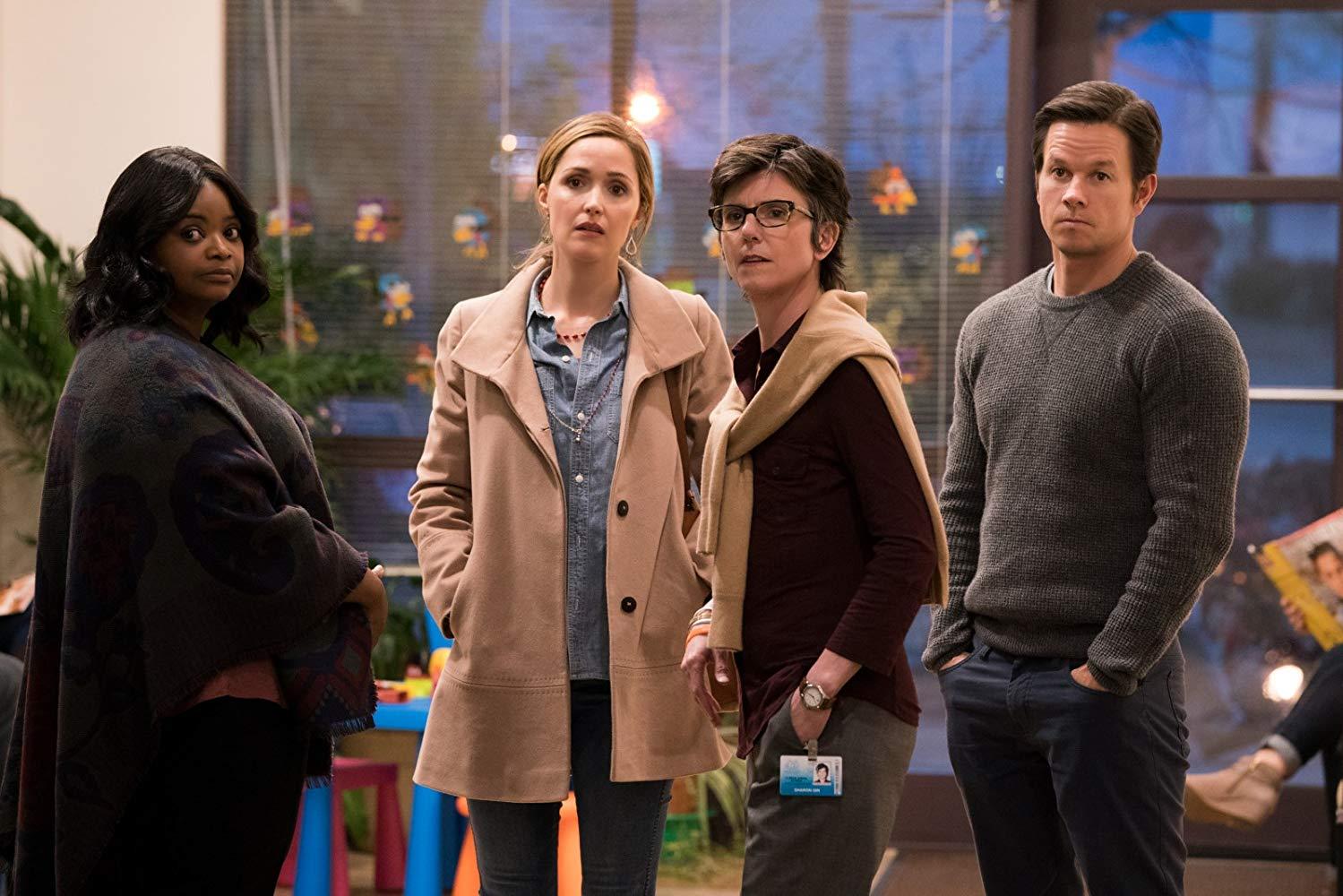 Instant Family: Mark Wahlberg, Rose Byrne, Tig Notaro, Octavia Spencer in una scena