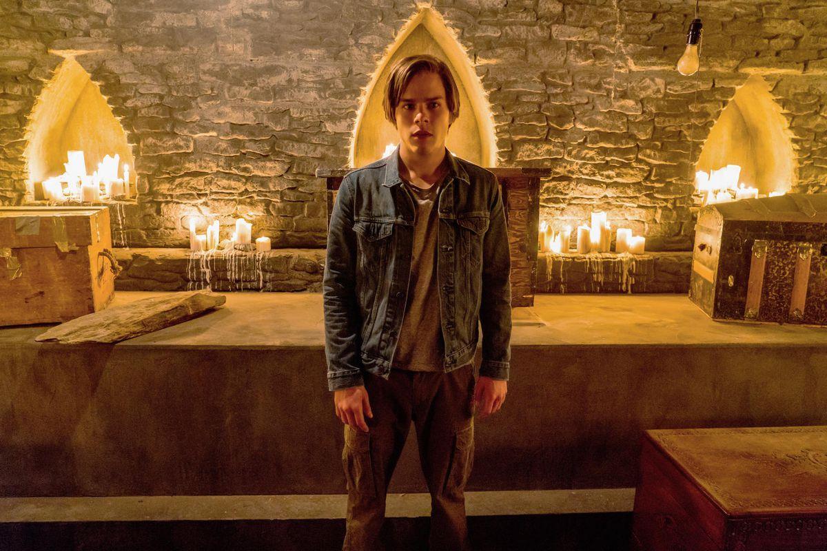 The Order: Jake Manley in una scena