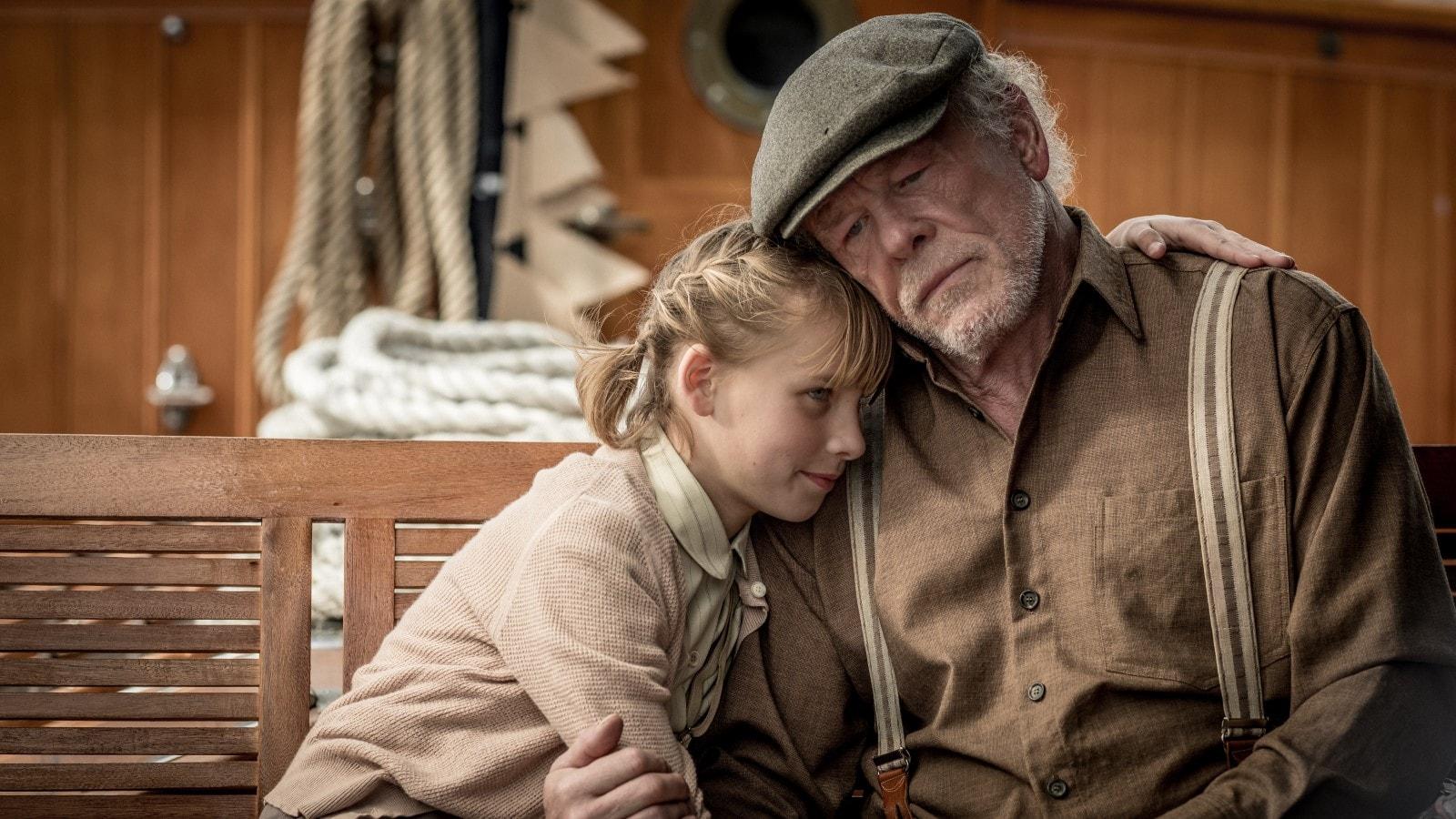 Un viaggio indimenticabile: Nick Nolte e Sophie Lane in una scena
