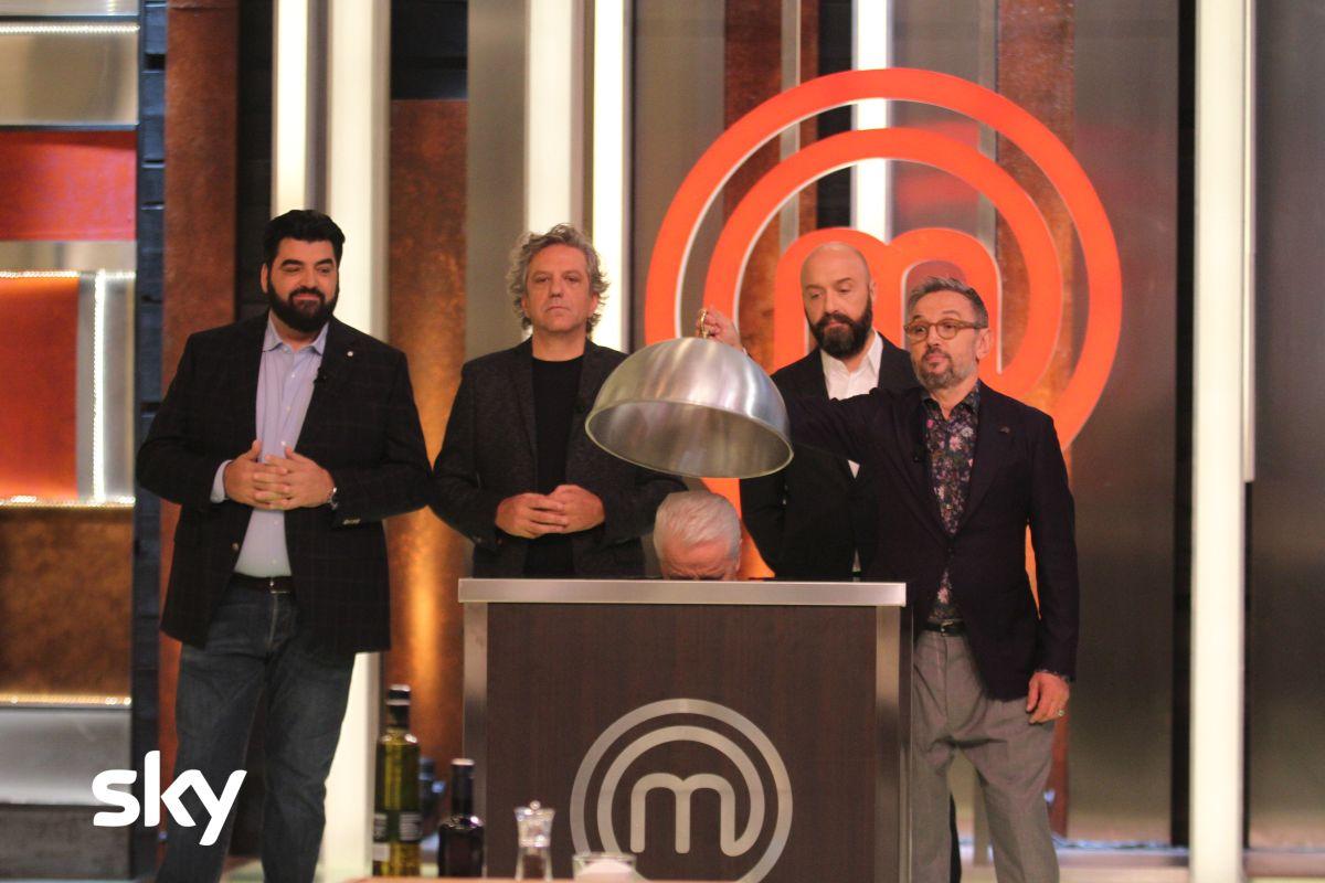 I giudici di Masterchef Italia 8 scoprono un ospite