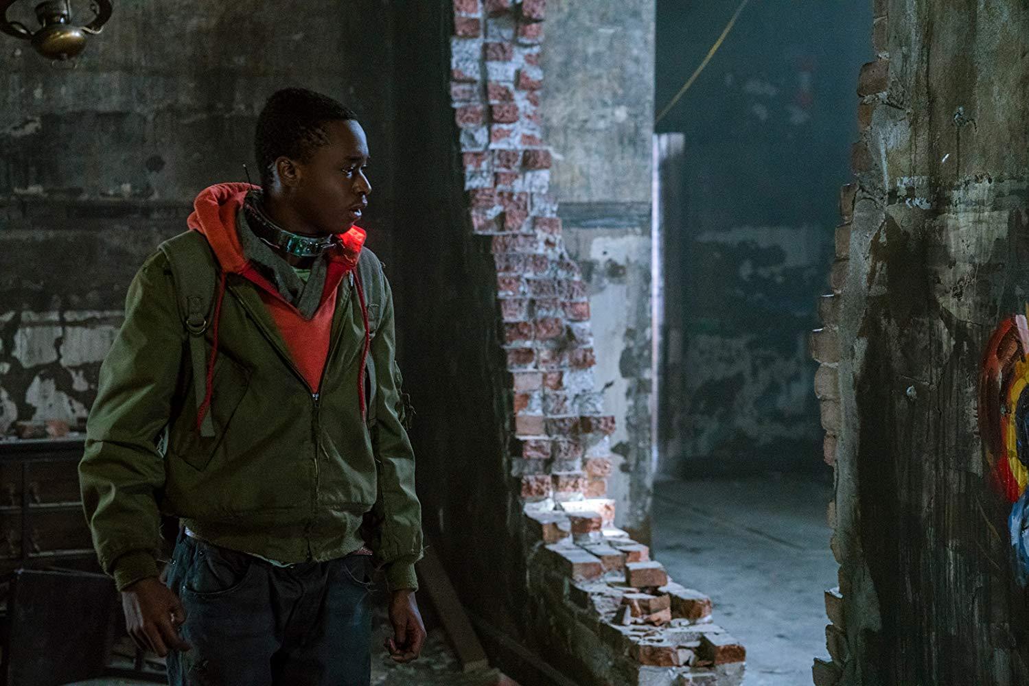 Captive State: Ashton Sanders in una scena del film
