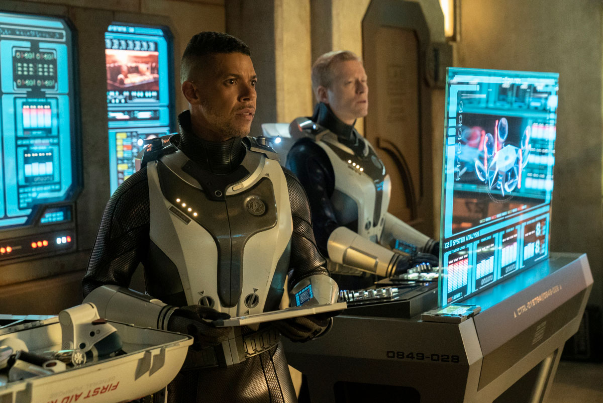 Star Trek Discovery: Wilson Cruz, Anthony Rapp nell'episodio The Red Angel