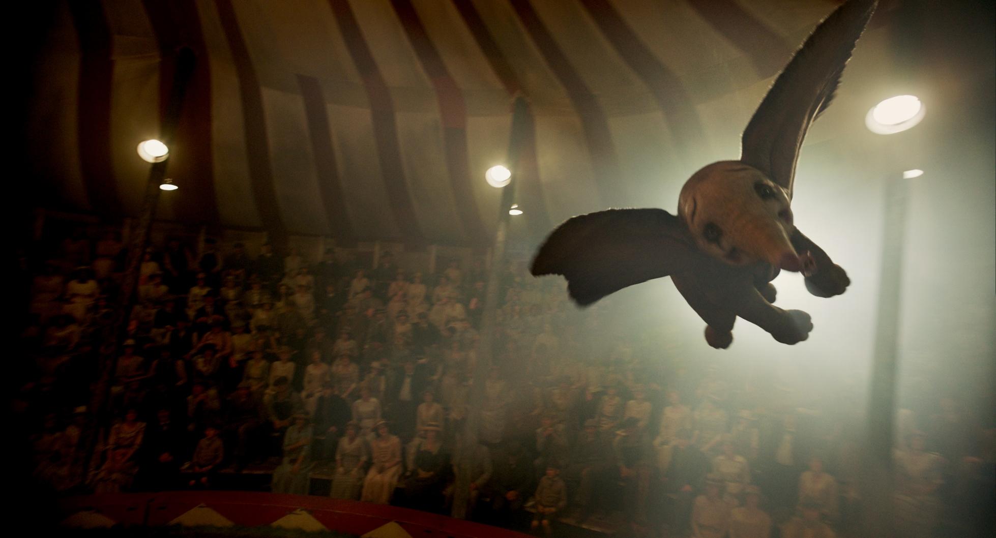 Dumbo: Dumbo in volo