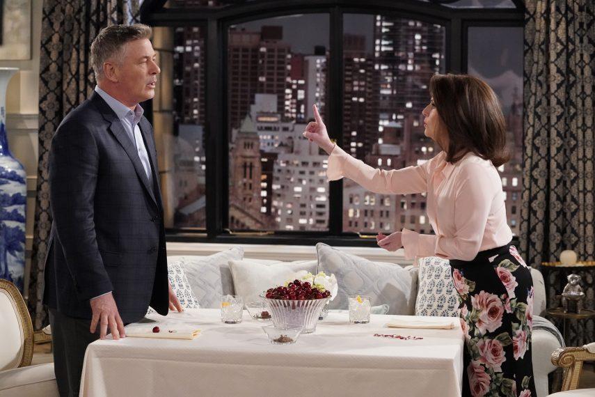 Will & Grace: Alec Baldwin e Megan Mullally in una foto della decima stagione