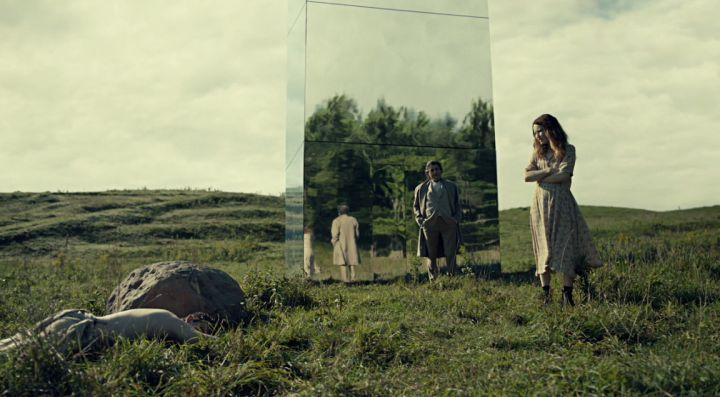 American Gods : Ian McShane e Emily Browning in una scena dell'episodio Muninn, seconda stagione