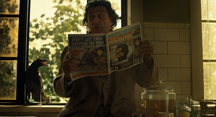 American Gods : Ian McShane in una scena dell'episodio Muninn, seconda stagione