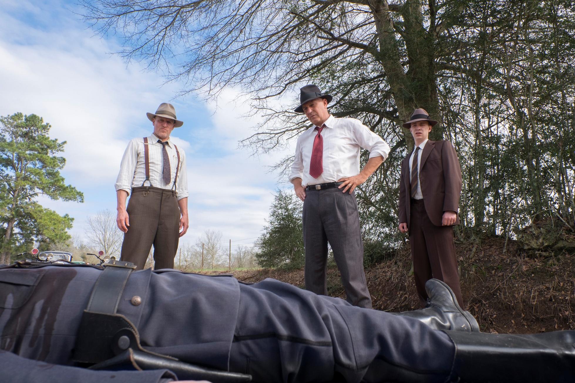 Highwaymen - L'ultima Imboscata: Kevin Costner insieme a Woody Harrelson in una scena del film