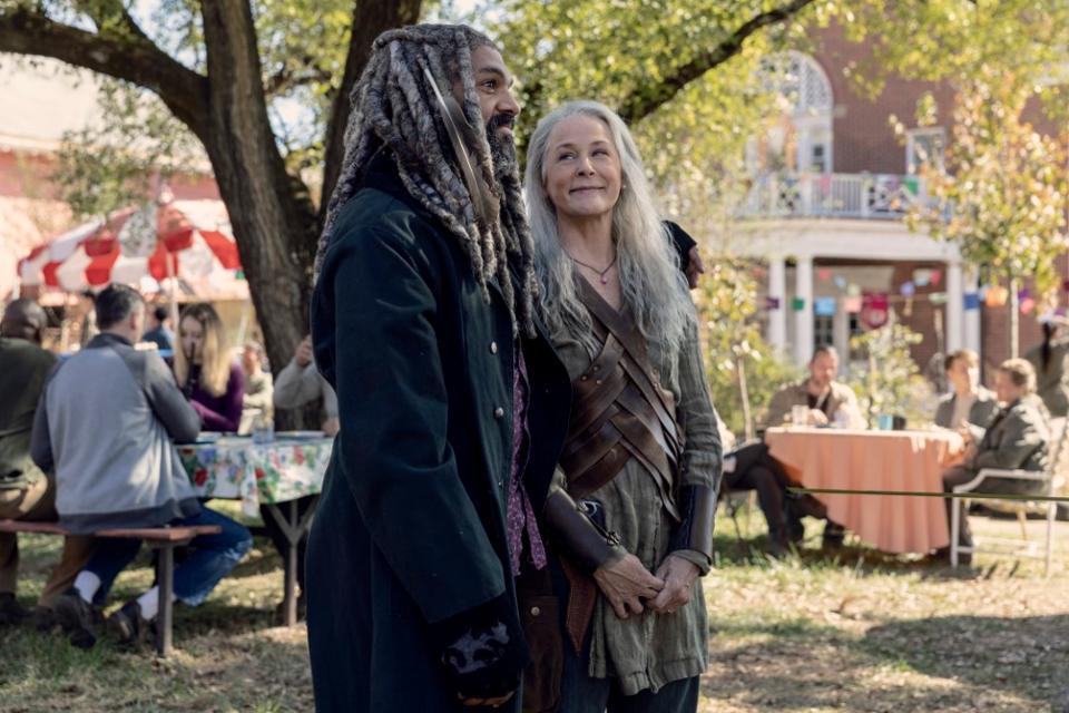 The Walking Dead: Melissa McBride e Khary Payton nell'episodio La quiete prima della tempesta
