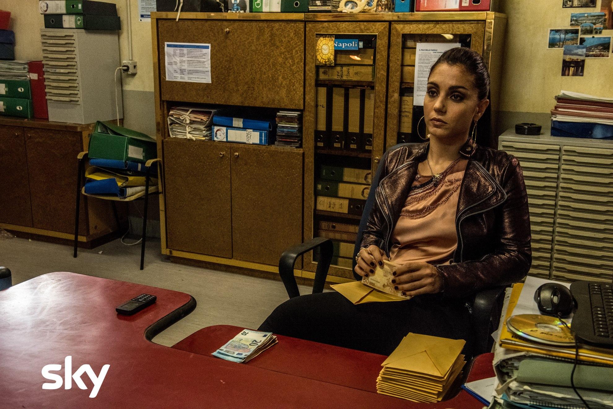 Gomorra: una scena con Cristiana Dell'Anna, quarta stagione
