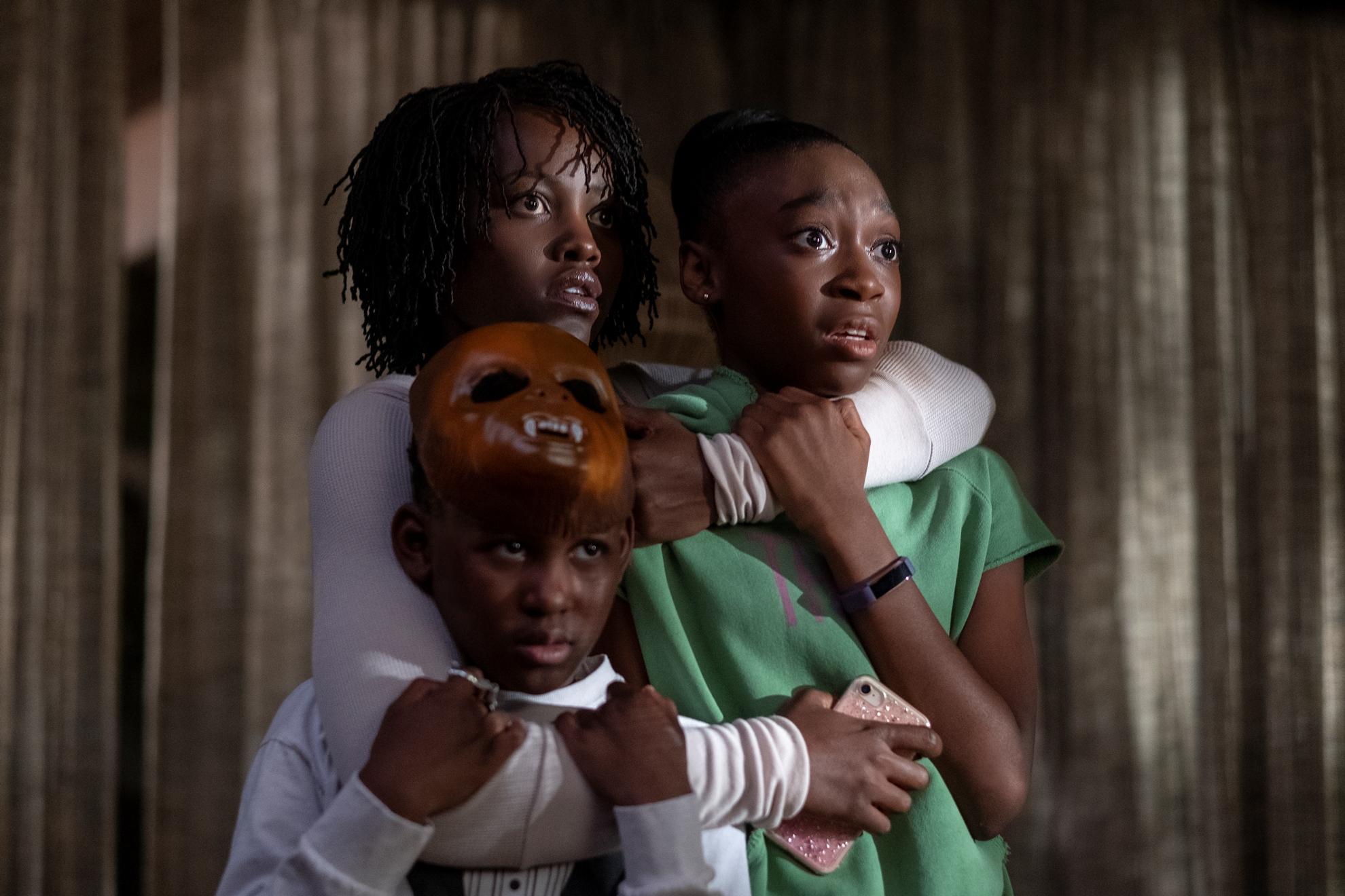 Noi: Lupita Nyong'o, Evan Alex e Shahadi Wright Joseph in una scena del film