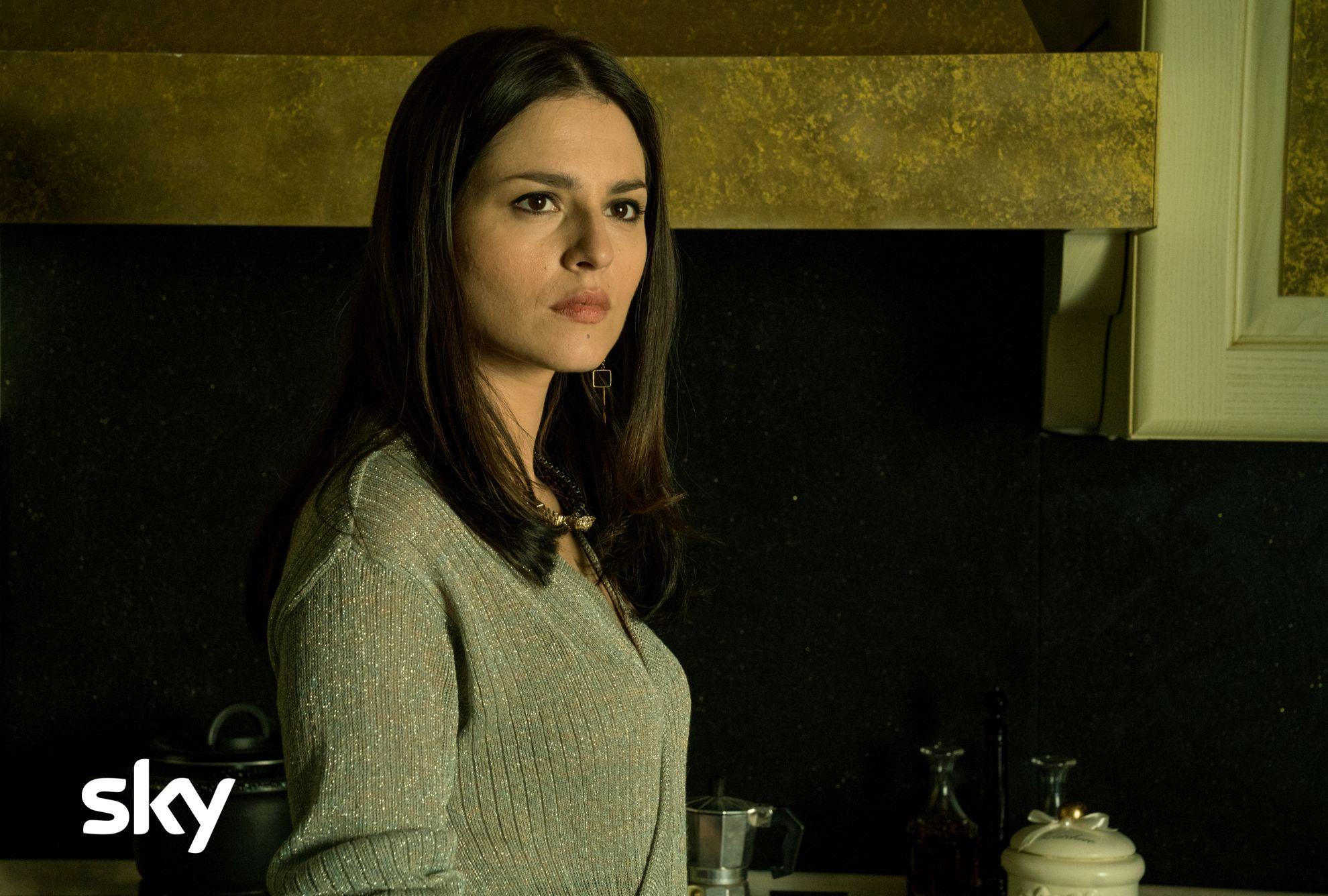 Gomorra: Ivana Lotito in una scena del primo episodio della quarta stagione