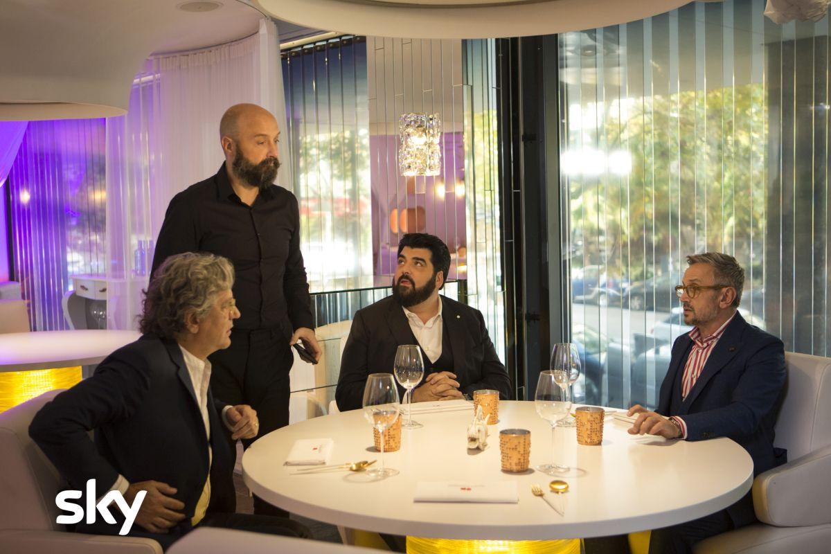 Masterchef Italia 8, i giudici del programma a tavola