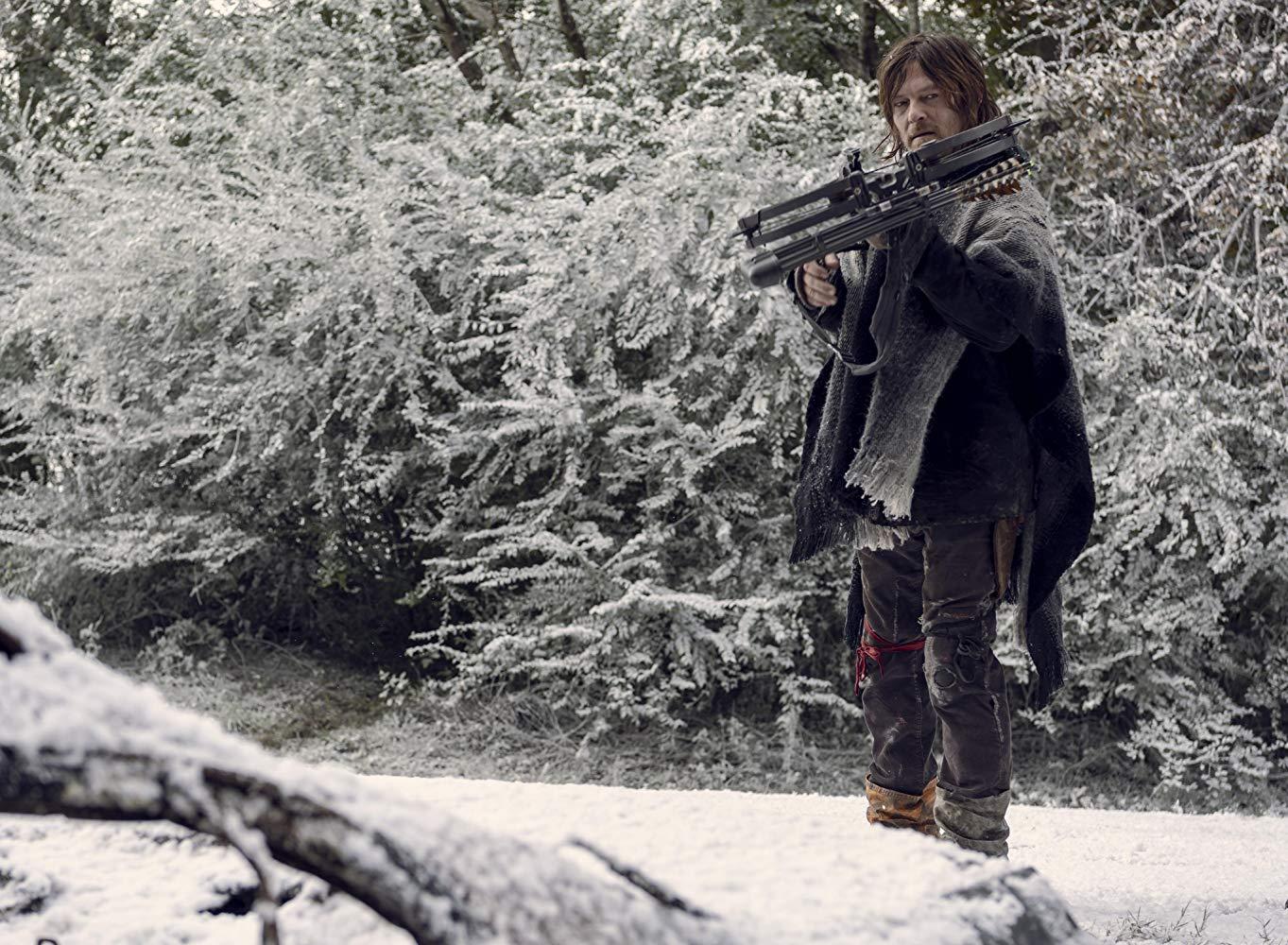 The Walking Dead: Norman Reedus in una scena dell'episodio La Tempesta