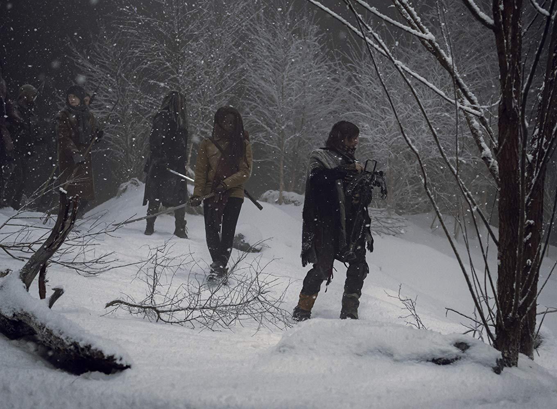 The Walking Dead: Norman Reedus e Danai Gurira in una scena dell'episodio La Tempesta